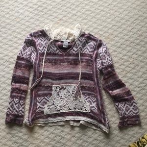 Drug rug style sweater. Adorable and hardly worn